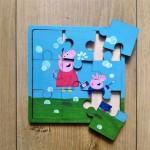 Puzzle din lemn manual vopsit
