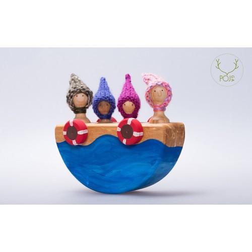 Familie in barcă, cu roti